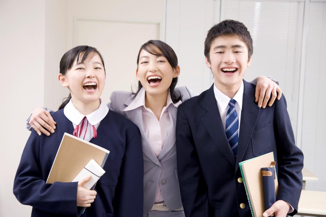学校紹介動画のサムネイル